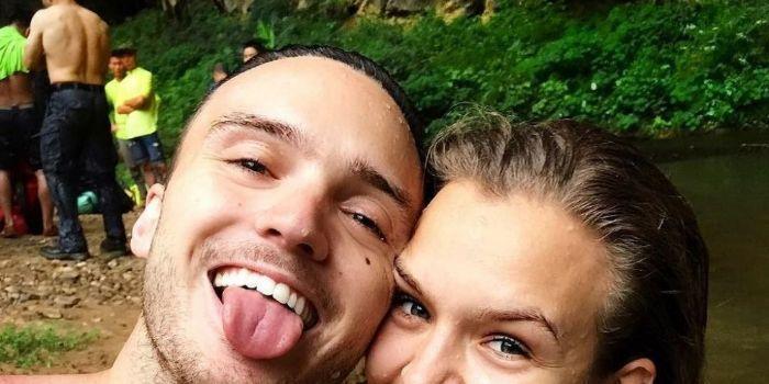 Alex DeLeon e Josephine Skriver