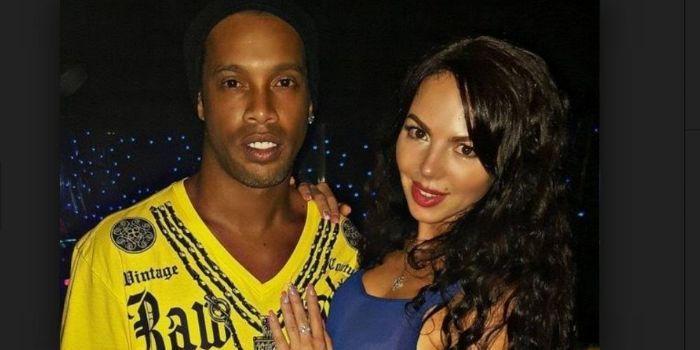 Ronaldinho e Janaina Nattielle mendes